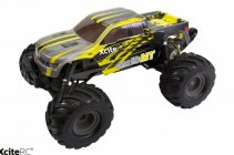 RC monstertruck Wheelie