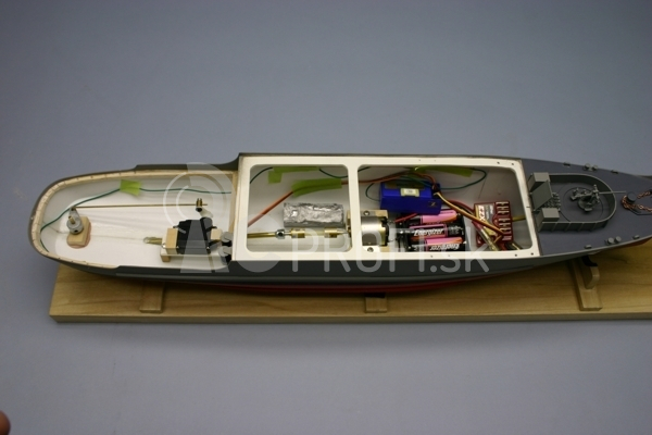 RC loď USS Whitehall A 180